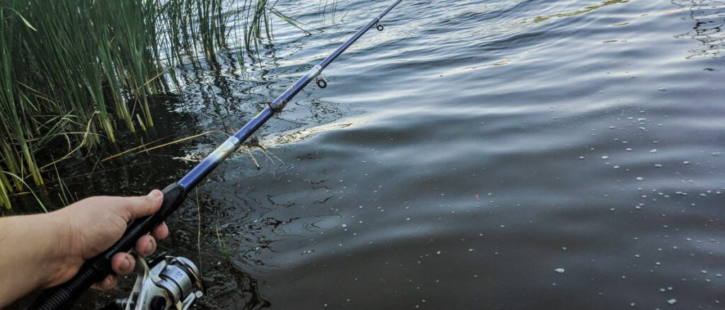 telescopic-kayak-rod-and-and-reel-combos-rod-in-use